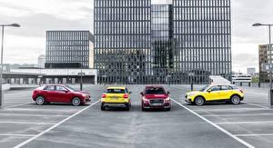 Фото Audi Припаркованная 2016 Q2 машины