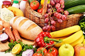 Фотографии Хлеб Овощи Фрукты Колбаса Виноград Бананы Перец овощной Еда