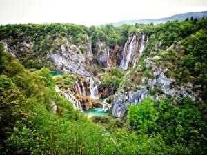 Обои Хорватия Парки Водопады Скала Plitvice Lakes Природа