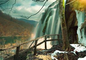 Картинка Хорватия Парки Водопады Забор Plitvice Lakes Природа