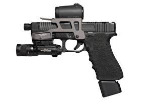 Обои Пистолеты Крупным планом Белый фон Glock 17 Армия фото