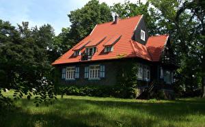 Обои Польша Дома Дизайн Деревья Кусты Трава Jastrzebia Gora Города фото