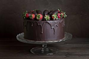 Обои для рабочего стола Сладости Торты Клубника Шоколад Пища