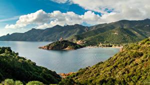 Обои Франция Побережье Горы Пейзаж Облака Corsica Природа фото