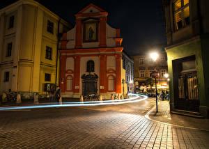 Фото Польша Дома Краков Улица Ночные Уличные фонари Города