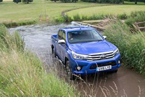 Обои для рабочего стола Тойота Металлик Синих 2016 Hilux Invincible Double Cab машины