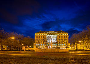 Фото Хорватия Здания Небо Загреб Ночь Уличные фонари Дерева Города