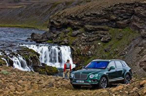 Фотография Bentley Водопады Зеленый 2016 Bentayga  Fly Fishing  by Mulliner Машины