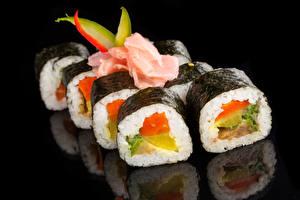 Обои Морепродукты Суши Рыба Черный фон Еда фото