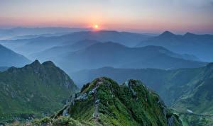 Фото Украина Пейзаж Горы Рассветы и закаты Карпаты Мох