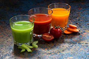 Картинка Напитки Сок Овощи Трое 3 Стакане Пища