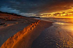 Обои Побережье Рассветы и закаты Песок Пляж Природа фото