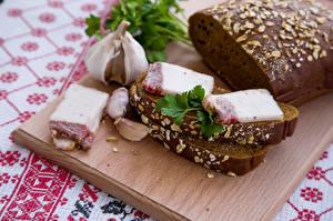 Картинка Бутерброды Хлеб Чеснок Сало Еда