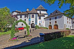 Обои Замки Дороги Люксембург Кусты Трава Clervaux Города