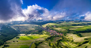 Фото Чехия Пейзаж Дома Поля Небо Bystrice Pod Lopenikem Природа