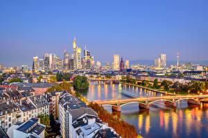 Картинка Германия Дома Реки Мосты Вечер Франкфурт-на-Майне
