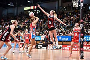 Фотографии Баскетбол Прыжок Мяч Спорт Девушки