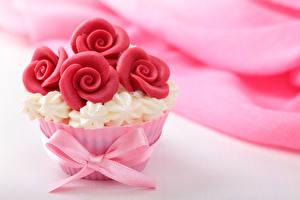 Обои Сладости Пирожное Розы Бантик Дизайн Цветы фото