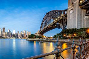 Картинка Австралия Мосты Дома Вечер Сидней Уличные фонари Залива