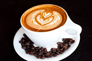 Обои Кофе Капучино Черный фон Чашка Зерна Дизайн Еда фото