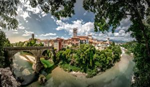 Картинка Италия Дома Реки Мосты Облака Cividale Города
