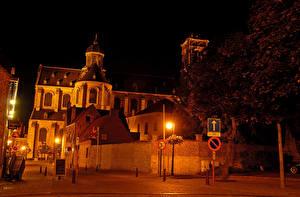 Фотография Бельгия Здания Улица В ночи Уличные фонари Grimbergen Города
