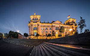 Обои Германия Берлин Дворца Лестница В ночи Улица Reichstag Города