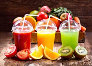 Обои Напитки Томаты Апельсин Киви Стакан Трое 3 Пища