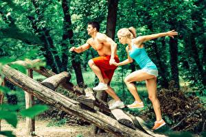 Обои Фитнес Мужчины Двое Ноги Майка Кроссовки Девушки Спорт