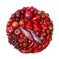Картинки Овощи Яблоки Перец Гранат Виноград Клубника Томаты Лук репчатый Сливы Белом фоне Пища