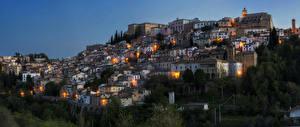 Картинки Италия Дома Ночь Loreto Aprutino