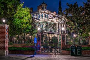 Фото Штаты Диснейленд Парки Дома Калифорния HDR Анахайм Дизайн Ночь Ограда Уличные фонари