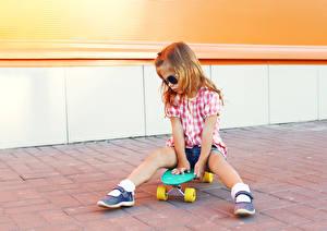 Фотография Скейтборд Девочка Ноги Очков ребёнок