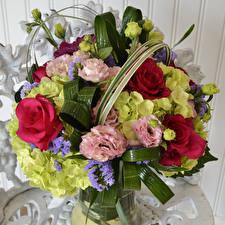Обои Букеты Розы Эустома Гортензия Цветы фото