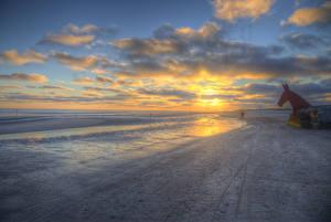 Обои Дания Побережье Рассветы и закаты Скульптуры HDR Облака Jylland Природа фото