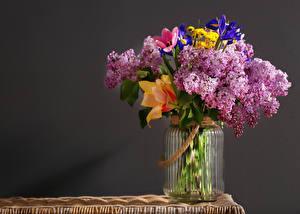 Обои Букеты Сирень Тюльпаны Банка Цветы фото