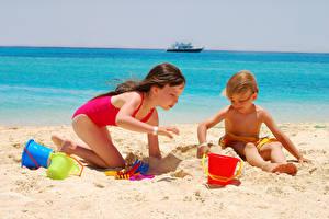 Фото Игрушки Пляж Песок Девочки 2 Дети
