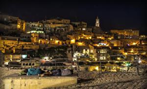 Обои Италия Дома Ночь Уличные фонари Matera