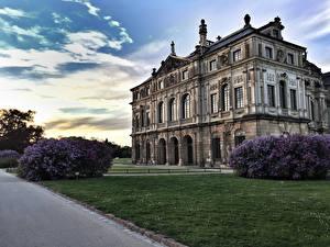 Обои Дрезден Германия Парки Небо Дворец Газон Кусты Palace Großen Garten Города фото