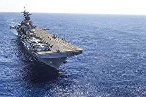 Фотография Авианосец Корабли amphibious assault ship USS Wasp (LHD 1)