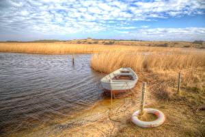 Обои Дания Побережье Лодки Небо HDR Трава Jylland Природа фото