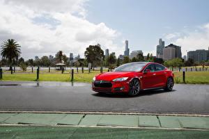 Фотографии Tesla Motors Красный Металлик 2010-14 Model S P85 автомобиль