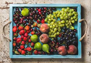Картинки Фрукты Ягоды Персики Черешня Клубника Виноград Инжир Еда