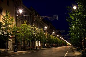 Картинки Литва Дома Дороги Вильнюс Улице Ночные Уличные фонари