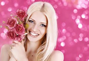 Обои Розы Блондинка Лицо Улыбка Волосы Взгляд Девушки фото