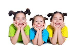 Картинка Белом фоне Девочка Три Улыбается Руки Дети