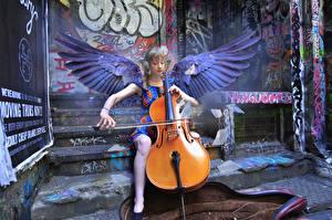 Фото Ангелы Виолончель Крылья Сидит Девушки Музыка