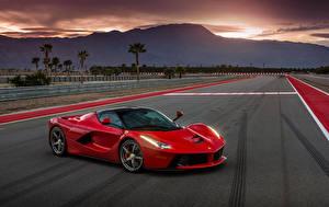 Обои Ferrari Красный Металлик 2013-16 LaFerrari North America Автомобили фото