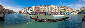 Картинка Италия Лодки Здания Венеция Водный канал Canal Grande