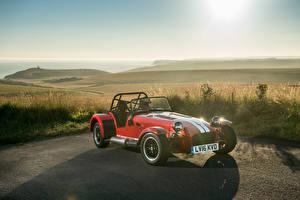 Фотография Caterham 7 Красных 310R машина